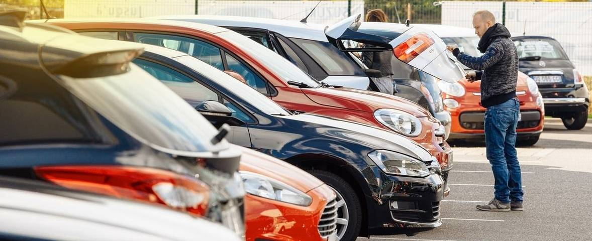 How much cheaper are cars at auction?