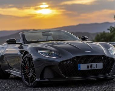 We review the 2019 Aston Martin DBS Superleggera