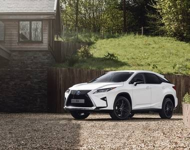 We Review the Lexus RX