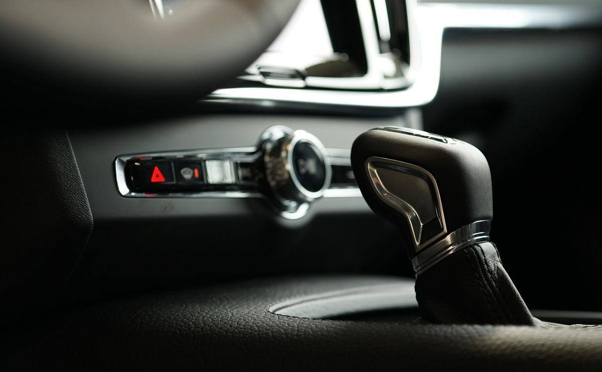Do manual or automatic cars use more fuel?