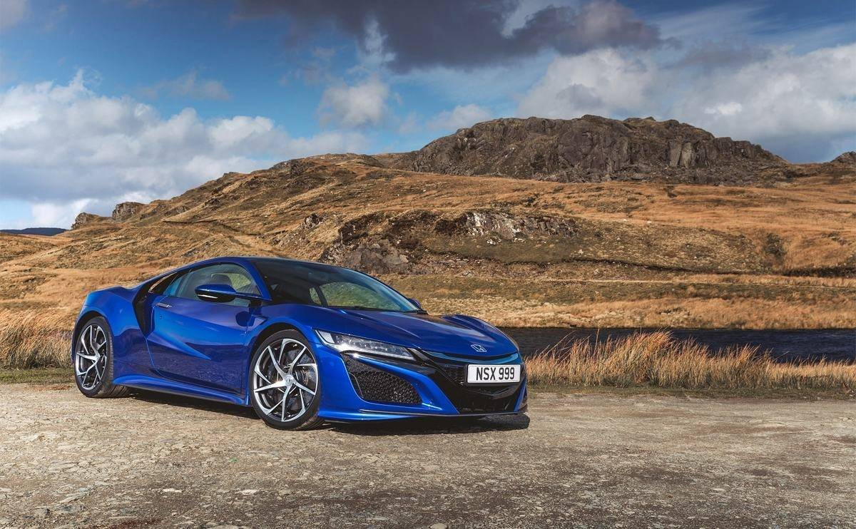 We review the 2019 Honda NSX - Looks