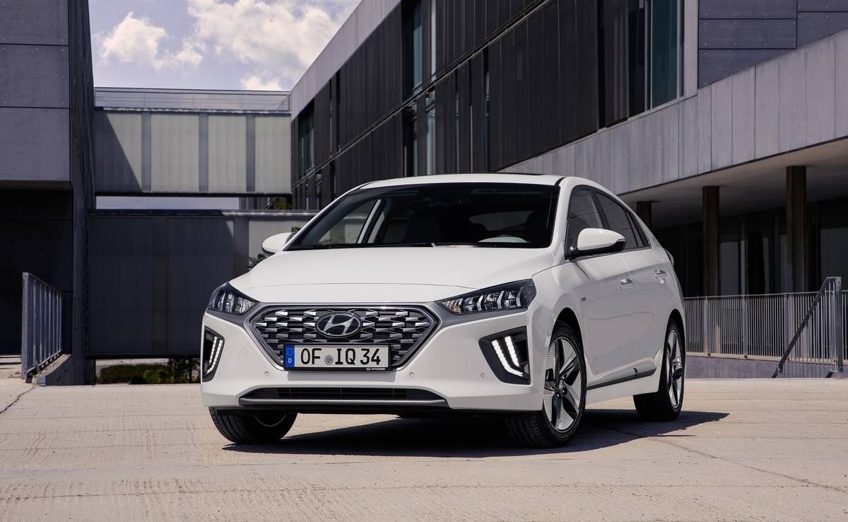 We review the 2019 Hyundai Ioniq
