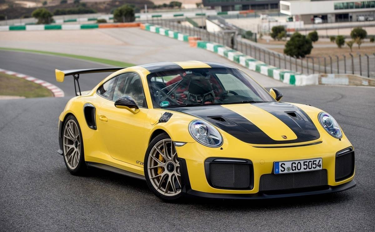 We review the Porsche 911 GT2 RS