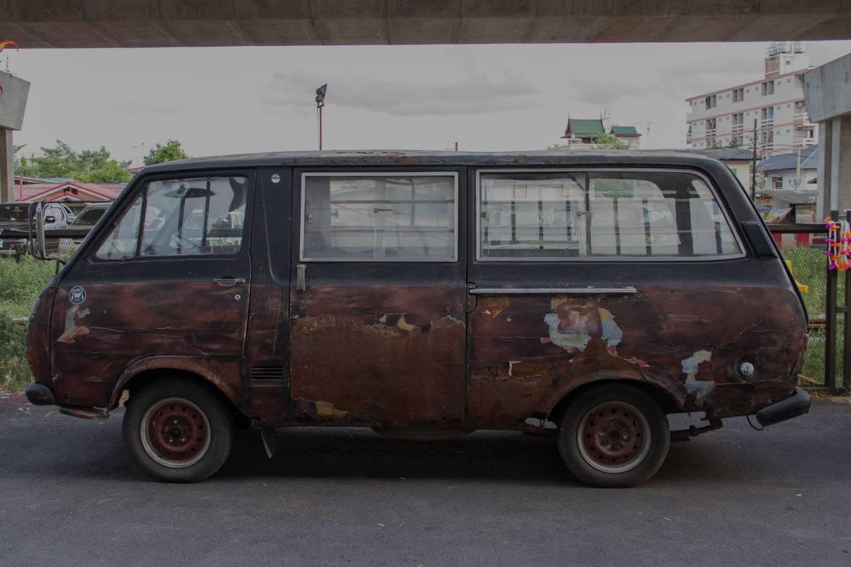 Old Van awaiting car scrapping service