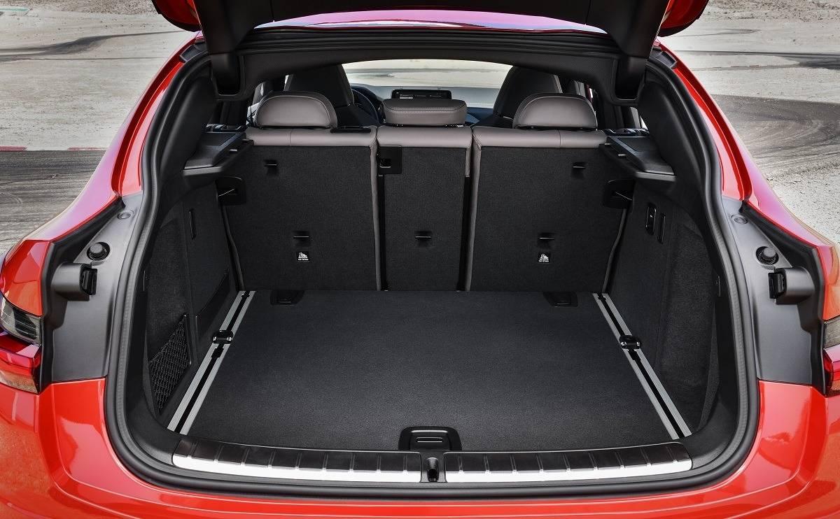 BMW X4 SUV - Practicality