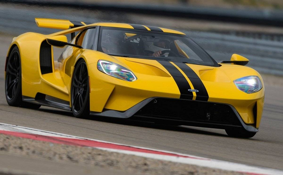 We Review the Ford GT